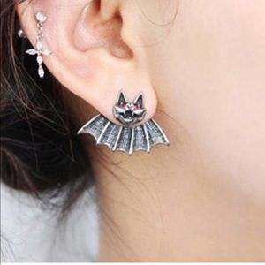 Jewelry - 🆕 BAT EARRINGS HALLOWEEN
